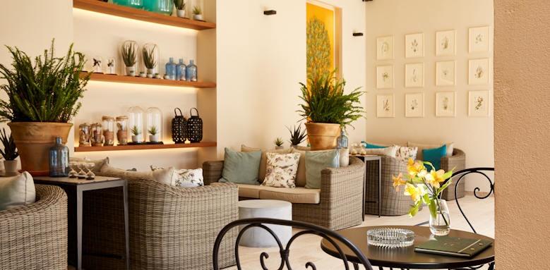 Marbella Nido Suites, welcome area