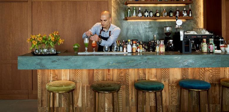 marbella nido, bar