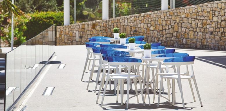 marpunta village club, terrace