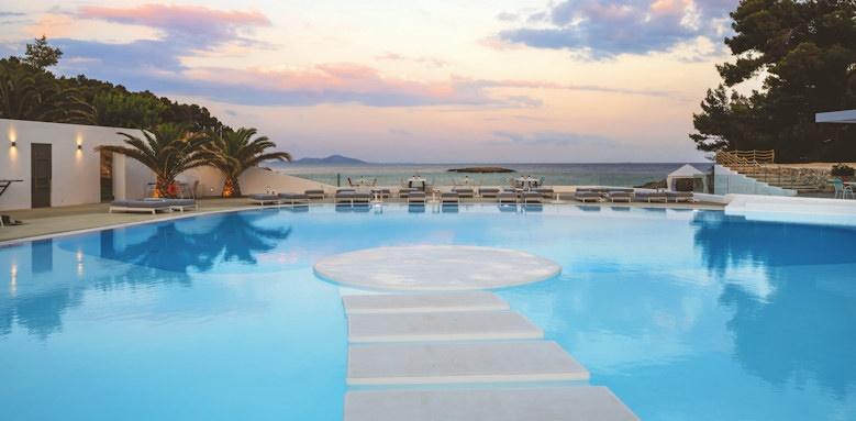 marpunta village club, pool