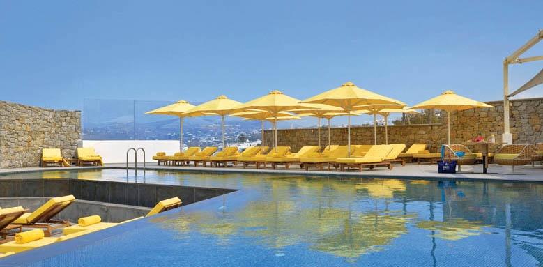 Myconian Korali, pool