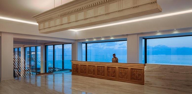 Abaton Resort, lobby