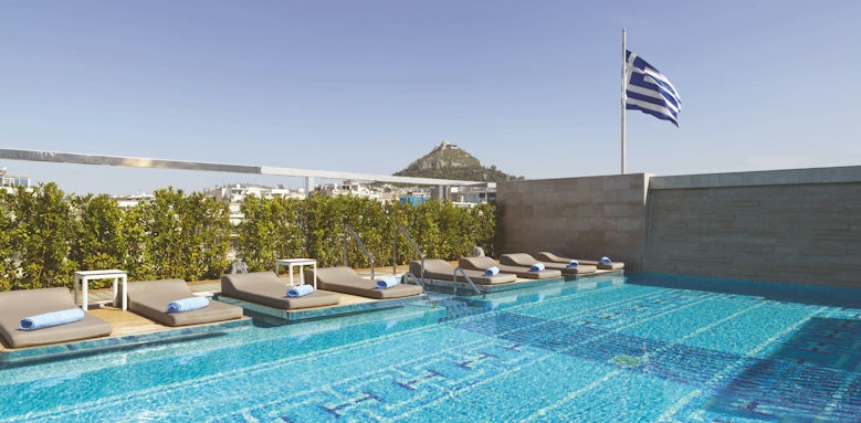 Electra Metropolis, pool