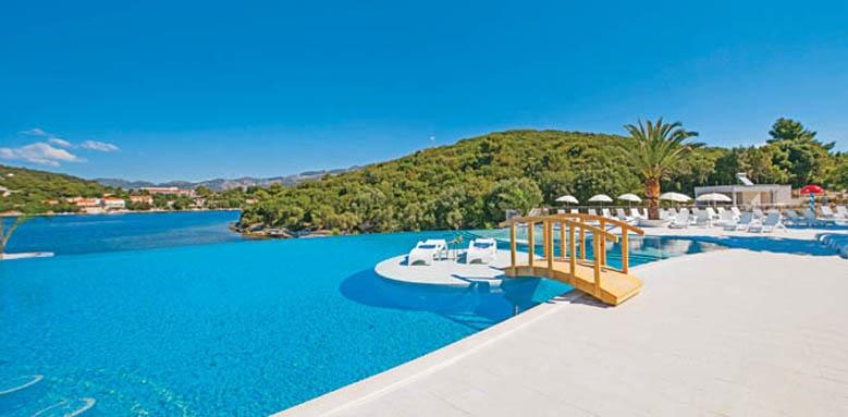 Port 9 Hotel, pool