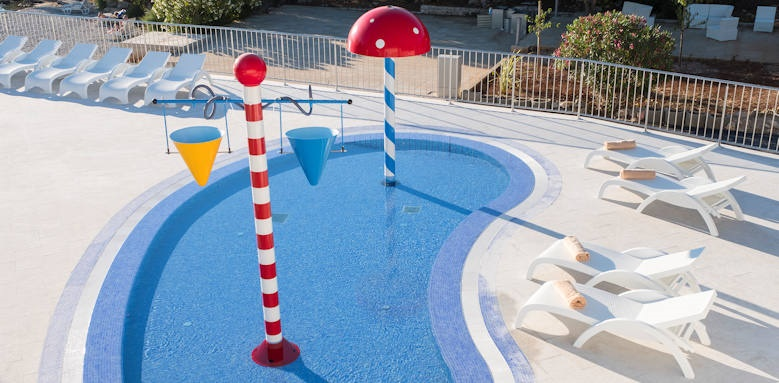 Port 9 Hotel, kids pool