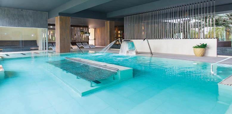 Oasis, spa pool