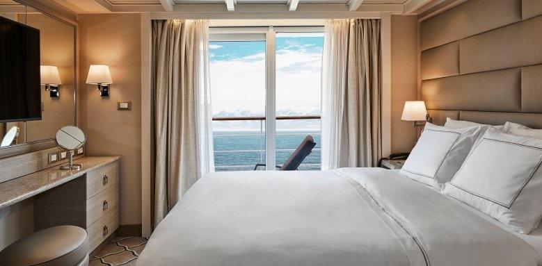 silver sea, silver cloud suite