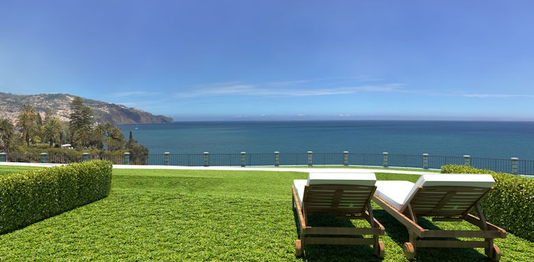 Le Suites at the Cliff Bay, sunloungers