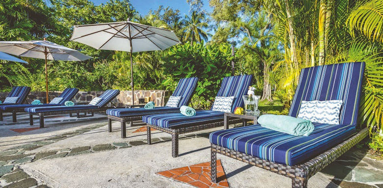 east winds, pool chairs