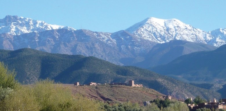 Kasbah Angour, views of mountains