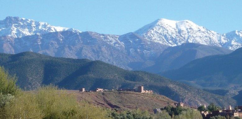 Kasbah Angour, views of mountains