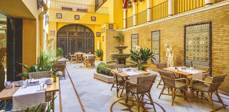H10 Corregidor Boutique, patio area