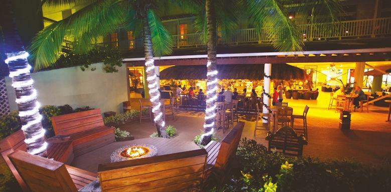 Coconut Bay, lobby bar firepit