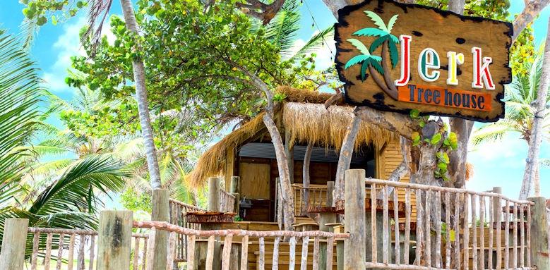 Coconut Bay, jerk treehouse
