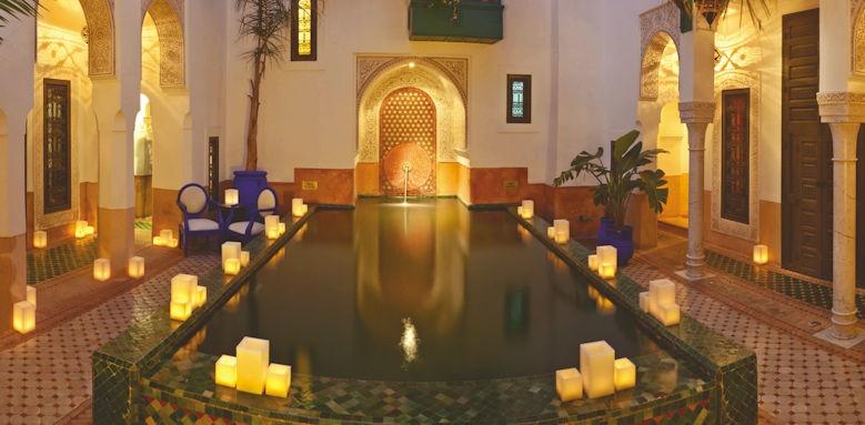 Riad Farnatchi, reflecting pool