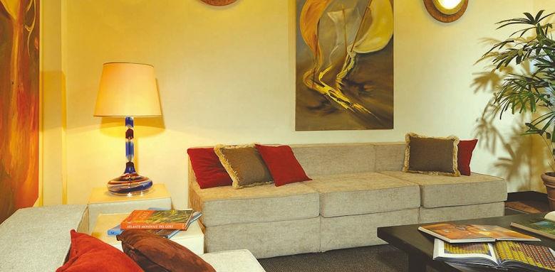 Al Capello Rosso, lounge