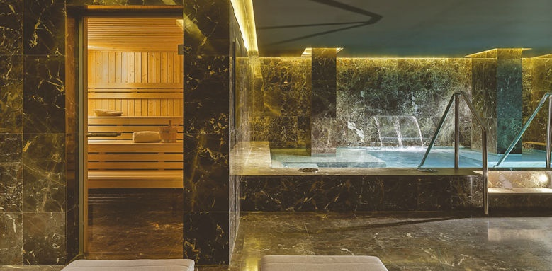 The One Barcelona, spa pool