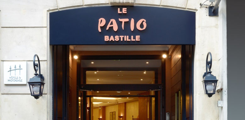 Le patio bastille, Entrance Image
