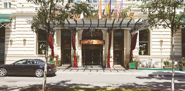 Grand Hotel Wien, facade