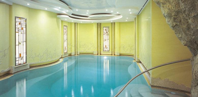 Grand Hotel Vesuvio, indoor pool