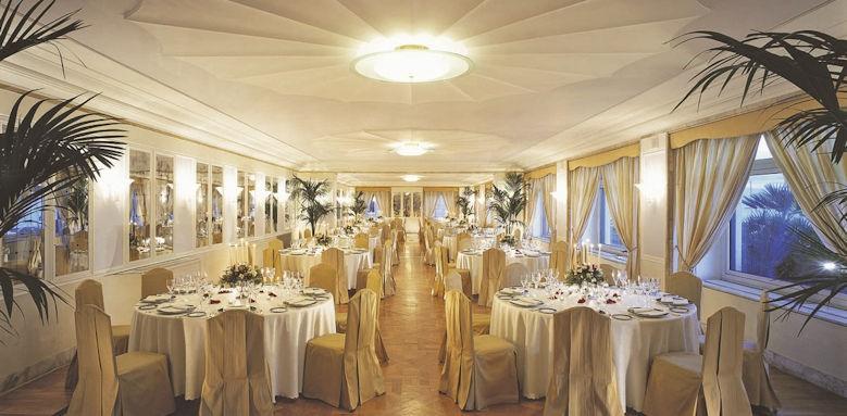 Grand Hotel Vesuvio, breakfast