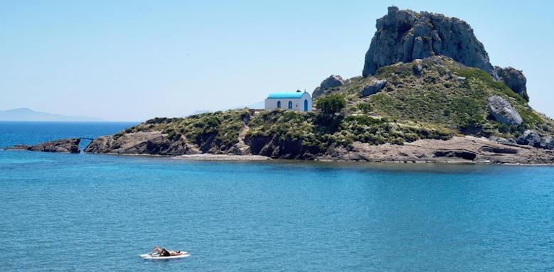 Ikos Aria, kastri island