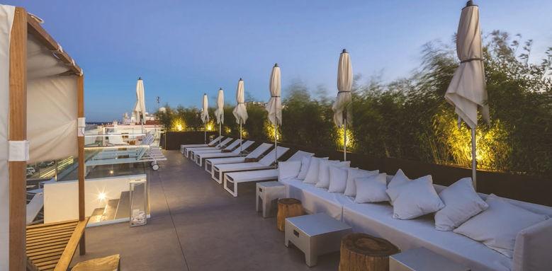 Lagos Avenida, roof terrace