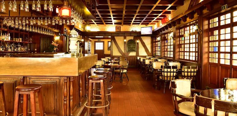 pestana carlton madeira, the pub