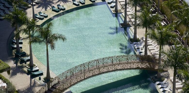 Savoy Palace, swimming pool