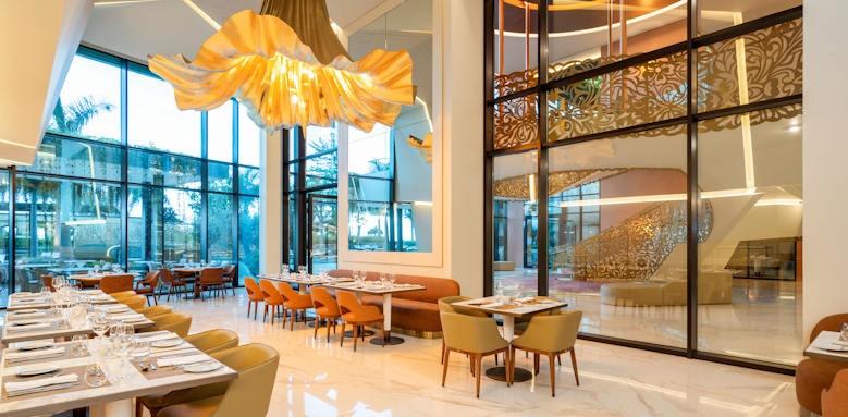 Savoy Palace, restaurant