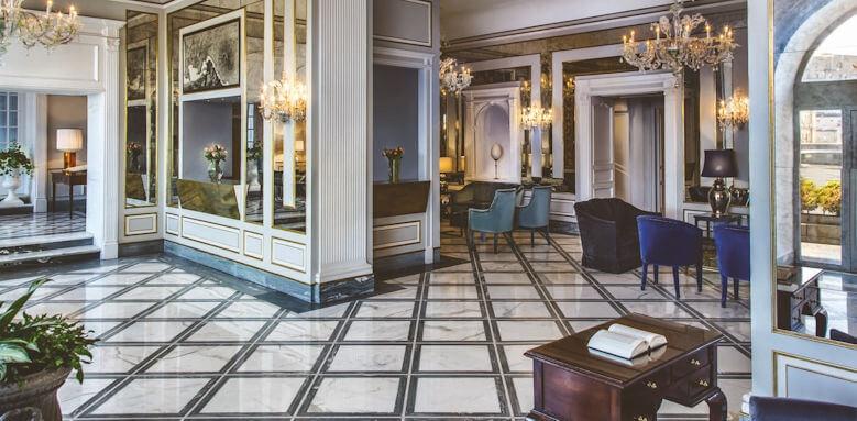 Grand Hotel Santa Lucia, interior of hotel