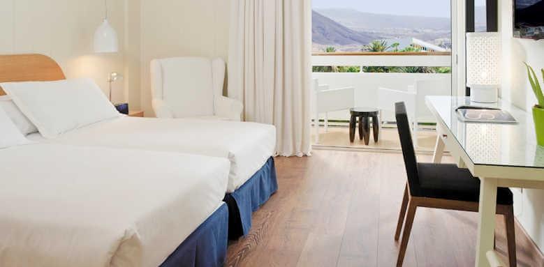 H10 Big Sur, double room