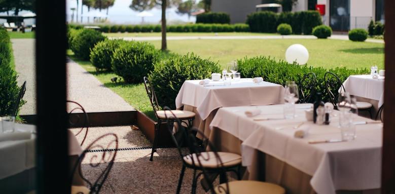 Splendido Bay Luxury Resort, garden