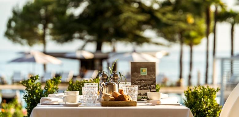 Splendido Bay Luxury Resort, food