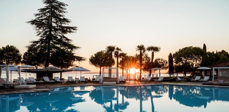 Splendido Bay Luxury Resort, thumbnail image