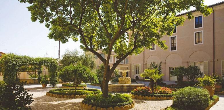 Voi Donna Camilla Savelli Hotel, garden area