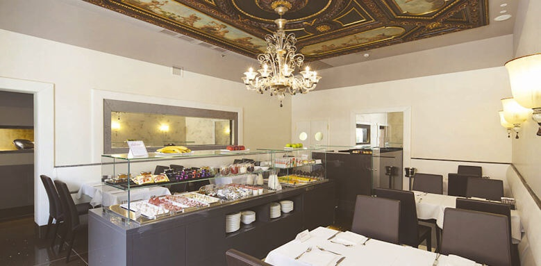 nh collection palazzo barocci, breakfast