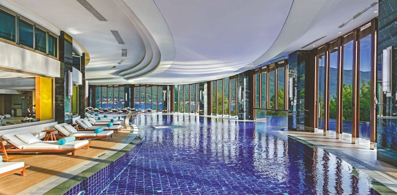 Titanic Deluxe Bodrum, indoor pool