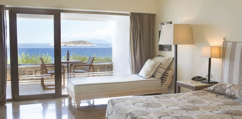 Minos Palace, guestroom