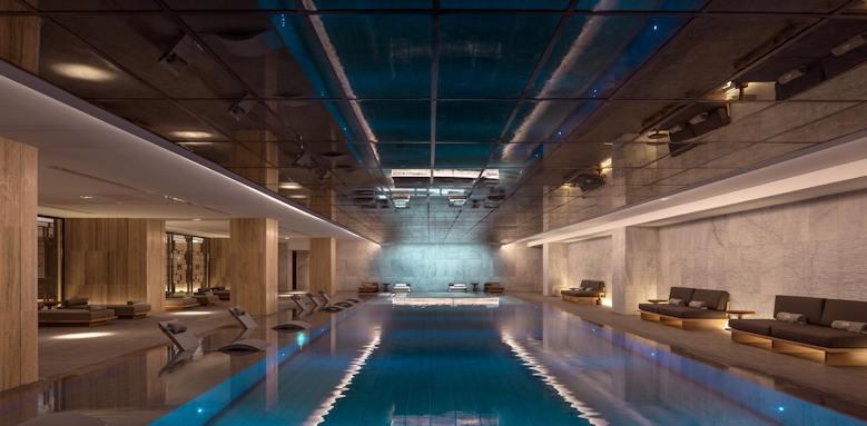 Amara, indoor pool