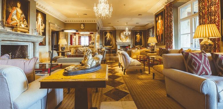 Villa Padierna Palace Hotel, lounge area