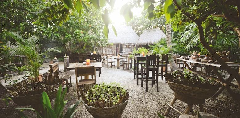 Belmond Maroma, garden terrace
