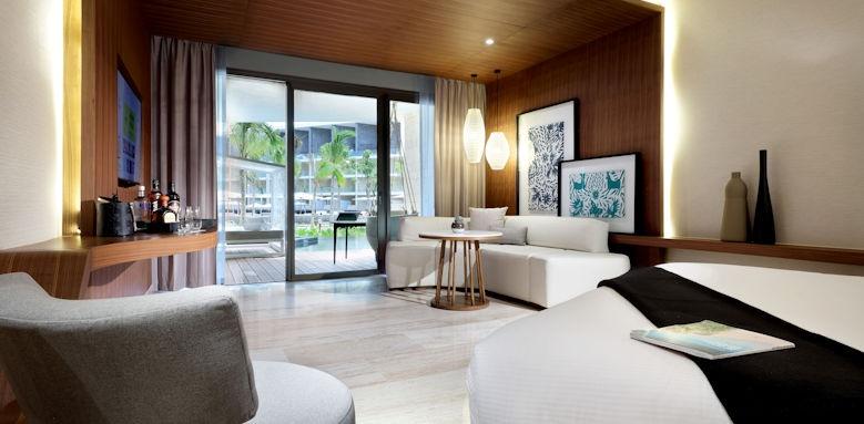TRS Coral, swim up junior suite