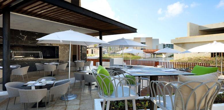 Family Selection At Grand Palladium Costa Mujeres Resort & Spa, Es nui bar