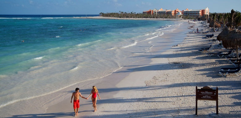 TRS Yucatan, beach