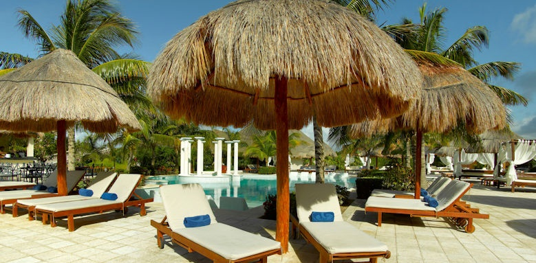 TRS Yucatan, pool loungers