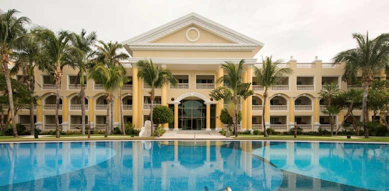Iberostar Grand Paraiso, hotel and pool