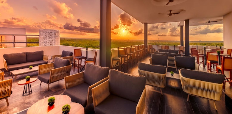 Haven Riviera Cancun, Bar Image