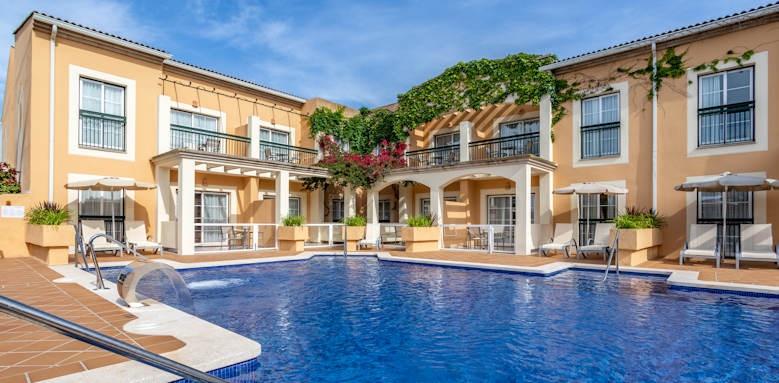 Zafiro Menorca, swim up pool