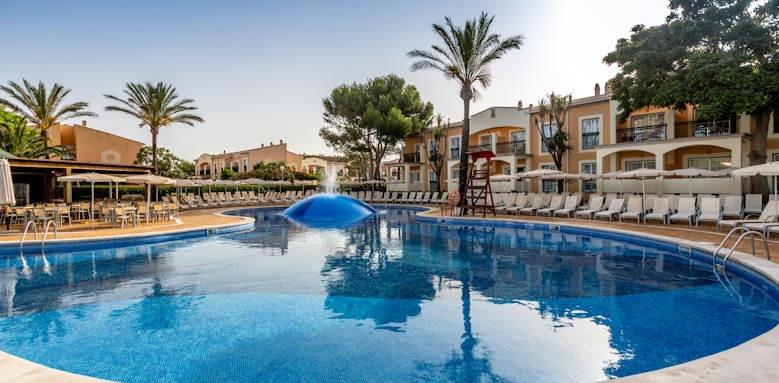 Zafiro Menorca, pool area